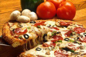 طريقة عمل البيتزا -4